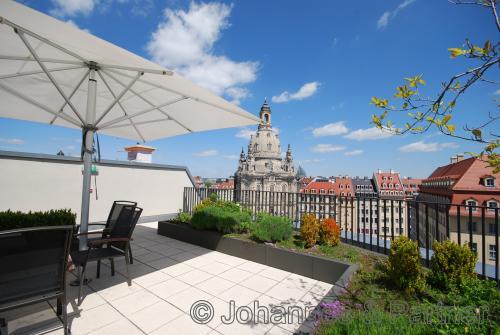 herrlicher Blick von der Dachterrasse auf die Frauenkirche