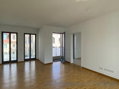 großes, helle Zimmer ähnlich