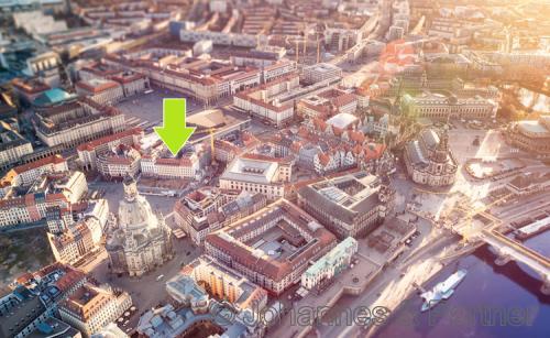 Luftbild vom Neumarkt mit markierter Lage des Hauses