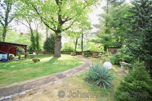 ca. 700 m² eigener Garten in ruhiger und grüner Bestlage