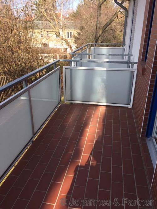 großer Balkon Hofseite